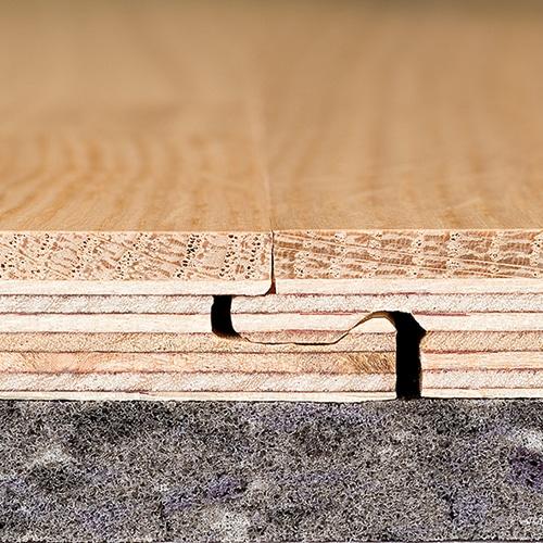 7mal formstabiler als Massivholz. Fugenlose Verlegung.